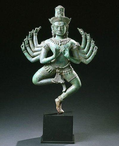Многорукое божество